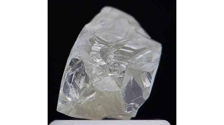 Russia:-estratto-diamante-di-181-carati